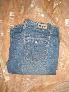 jeans dama levi's evazati (1)