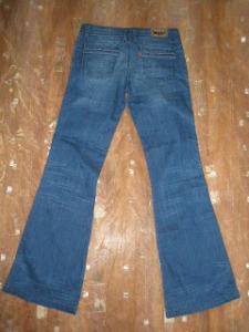 jeans levi's usor evazati (2)