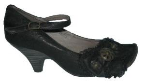 pantof negru romantic