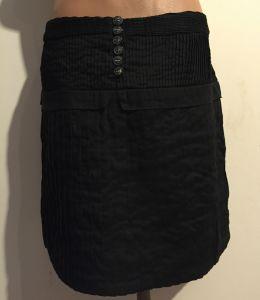 fusta neagra scurta