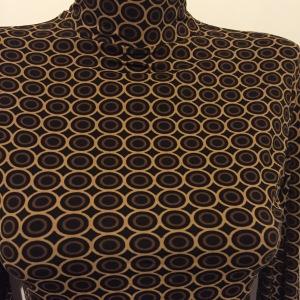 Bluza model geometric minimalist_detaliu